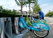 增加公交发车密度、预留停车桩 他们这样为潍坊高考生鼓劲