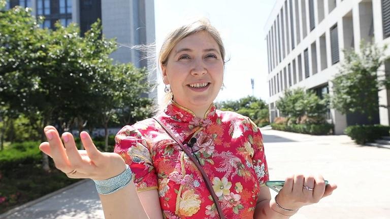 111秒丨学功夫、做旗袍…外国人在青岛的生活是这样儿的