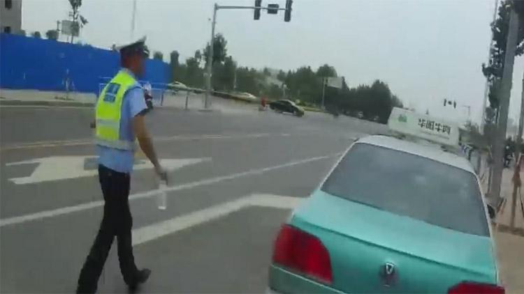 粗心考生忘带身份证 滨州阳信民警争分夺秒帮取回