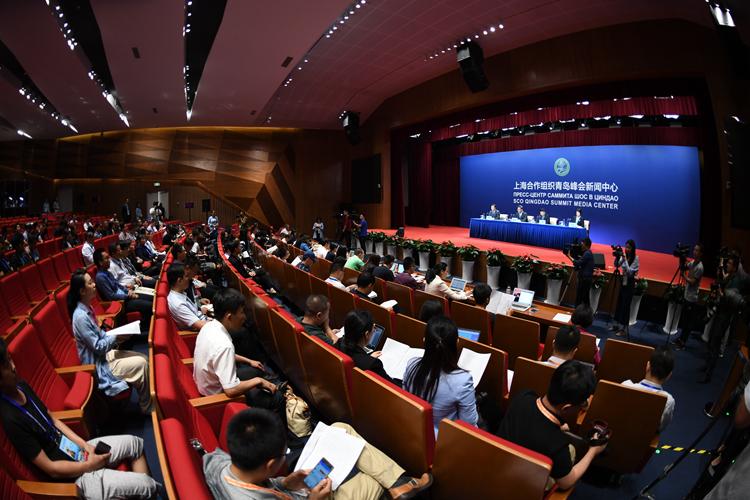 上合青岛峰会举行专场新闻发布会 百余记者聚焦山东发展