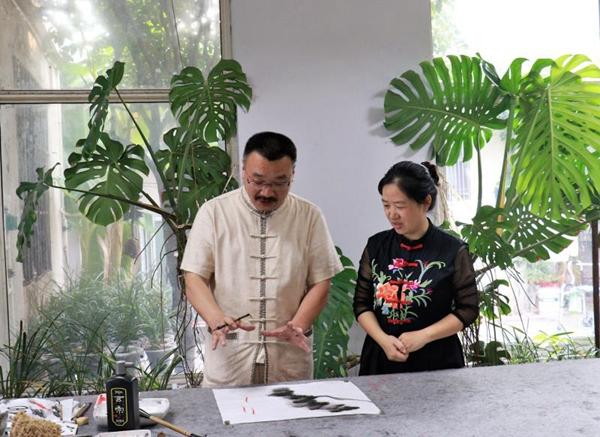 枣庄著名书画家张思勉《奇石图》作品荣获国际金奖