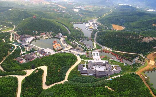 总书记来到我们身边丨矿坑崛起的5A级园区,绿水青山带动新产业发展