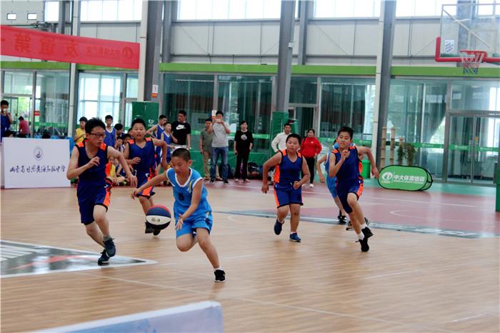 日照59支篮球队参加中国小篮球联赛 持续两天