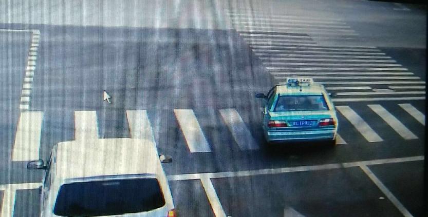 """淄博:婴儿高烧抽搐 出租车变""""救护车""""紧急送医"""