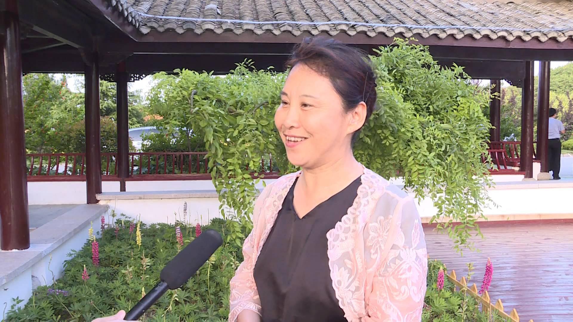总书记来到我们身边|华夏城游客张鸿雁:我握着总书记的手