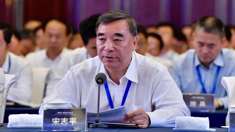 中国建材集团董事长宋志平:2018年在鲁拟建和在建项目93个,总投资额约127亿