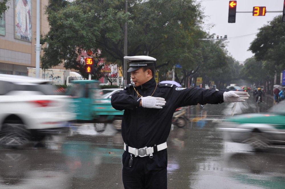 淄博交警发布强降雨天气预警 提醒驾驶人注意行车安全