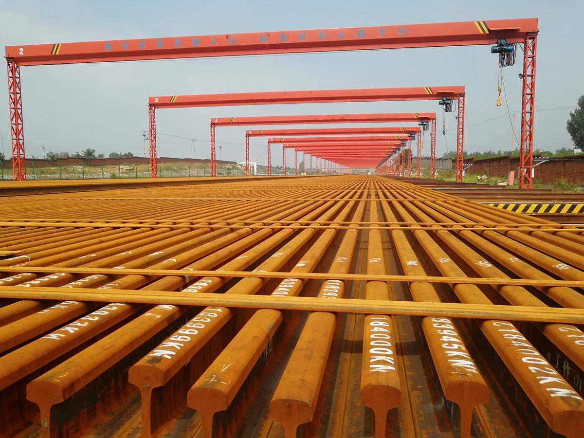 沂蒙革命老区首条高铁鲁南高铁开始铺轨施工 计划于2019年年底通车