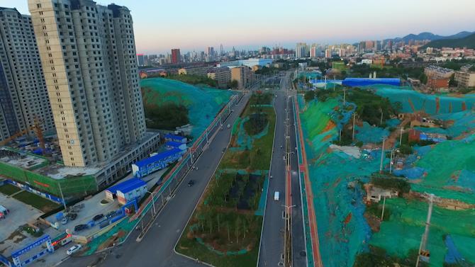 39秒| 济南刘长山路沥青铺设基本完成,月底双向通车