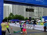 冲线!2018仙境海岸海阳国际马拉松女子半程冠军出炉