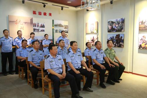七一主题党日活动 滨州边防与公安民警走进渤海第一哨