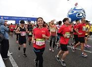 高清图奉上! 2018海阳马拉松今天火热开跑 万名参赛选手点燃赛道
