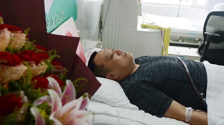 """""""坚持住,我来了!"""":记济南市第53例造血干细胞捐献"""