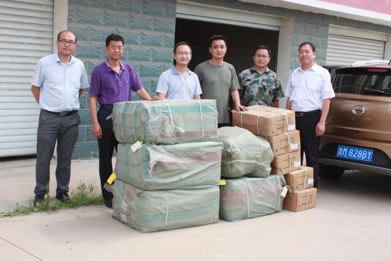 济南海关团委捐助活动走进无棣水湾中学