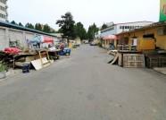 追踪|潍坊一小巷生活垃圾废旧家具占路 居委会:将被统一清理