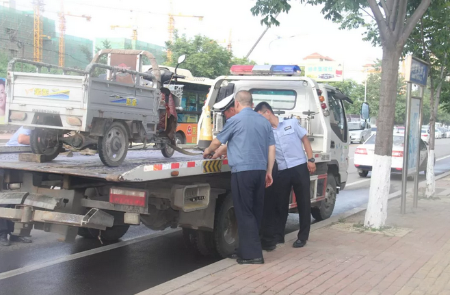 莒县整治三轮车、四轮车代步车 周末联合执法暂扣违法车辆22辆