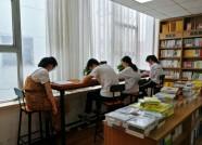 """暑假打开""""新方式"""":潍坊小读者从书海中体验乐趣"""