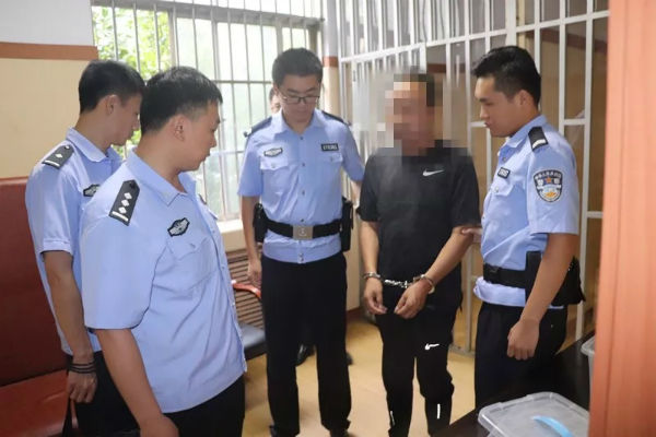 """日照岚山法院与公安联动执法 让""""老赖""""无处藏身"""