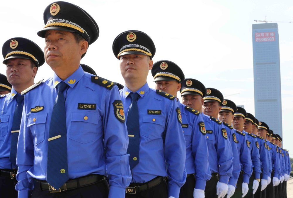 """淄博出台城管执法人员""""十条禁令"""" 市民发现违规行为可投诉"""