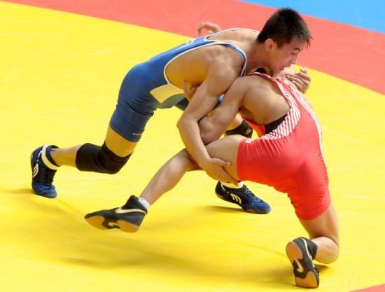 第24届山东省运会首日 淄博健儿勇夺自由式摔跤1金3银5铜