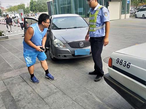紧急救助|滨州交警开辟绿色通道 护送患者就医