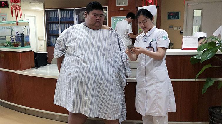 """""""中国第一胖""""从668斤减到608斤!手术成功预计这周出院"""