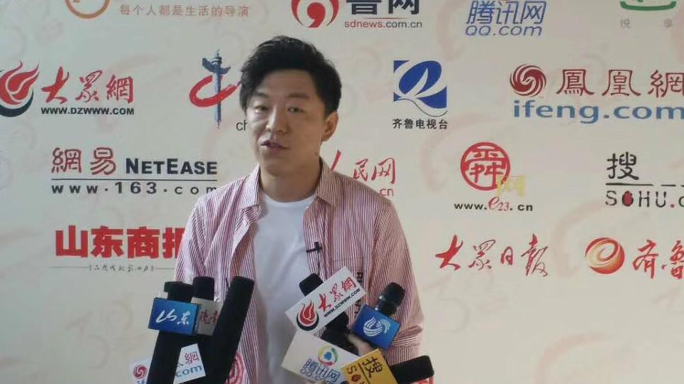 55秒丨黄渤空降济南 化身摄影师烹饪现场拍拍拍!