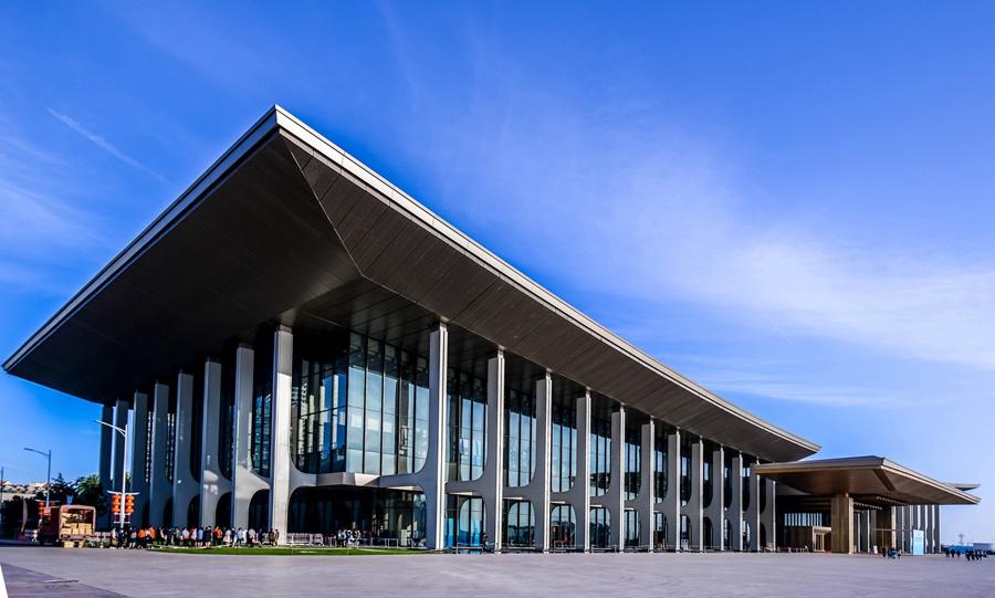 【风从海上来·改革进行时】万吨钢结构青岛国际会议中心 打造环保办会建筑典范