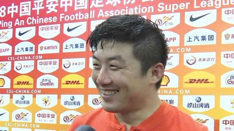 《超级赛场》赛后采访崔鹏:大腿拉伤仍坚持
