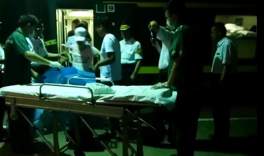 """惊险!火车上一孕妇突然临产 医院车站上演""""救援接力"""""""