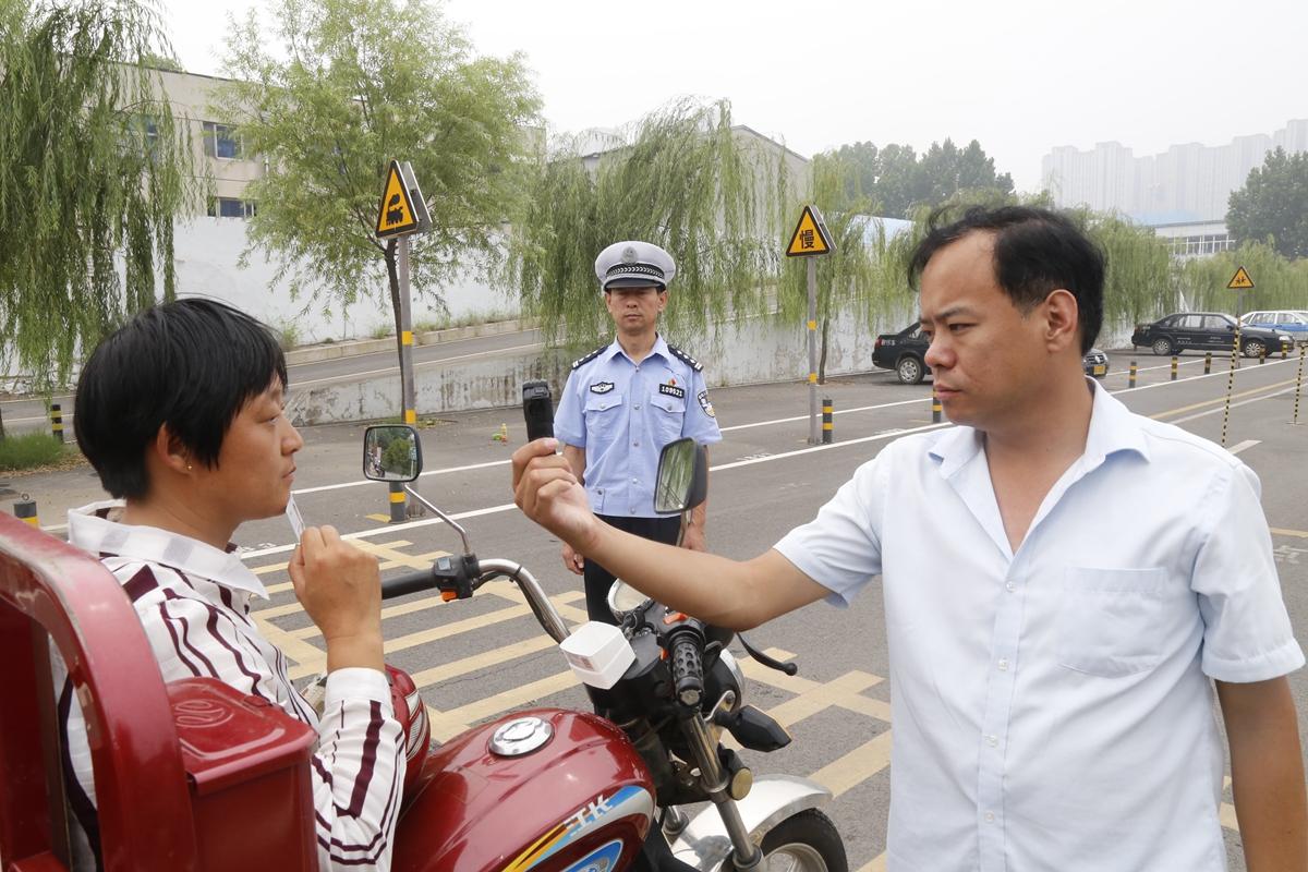 济南入夏后摩托车驾考火爆 驾考10%到20%学员淘汰