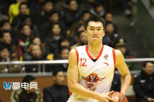 昔日山东男篮球员郭磊正式退役 转型创立FYBA