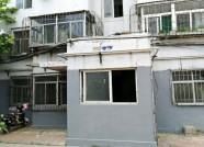 潍坊中和街社区漏水单元门维修方案已定 涉及11座居民楼