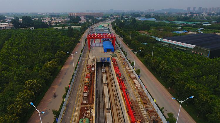 35秒航拍见证济南首条地铁R1线全线轨通