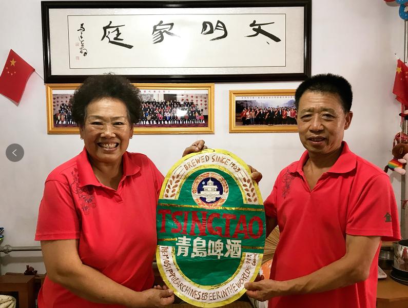 夫妻志愿者见证青岛国际啤酒节20余年发展