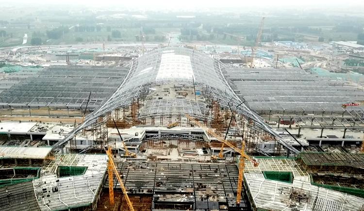 飞吧山东丨济南东站施工新进展 站房拱结构横跨180米居国内前列