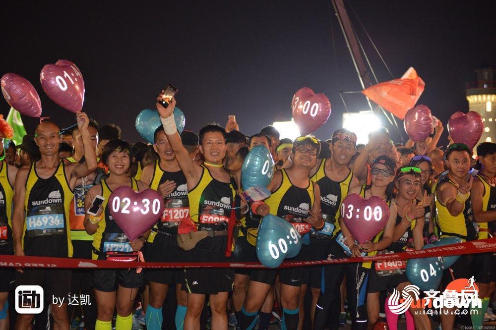青岛·西海岸夜间国际马拉松源自国际著名赛事——新加坡尚道夜间