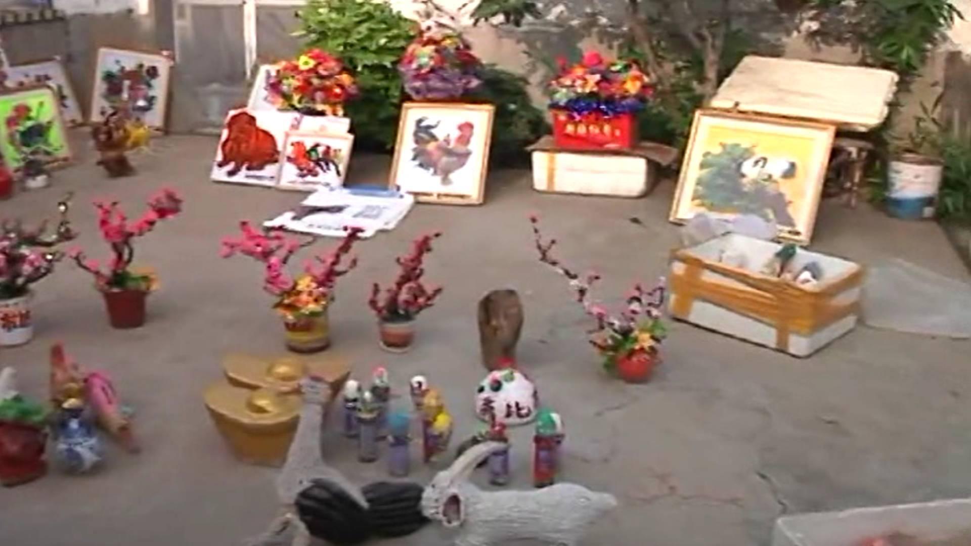 70秒|莱州七旬老人痴迷环保工艺制作 一双巧手变废为宝