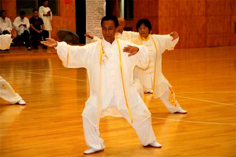 山东省第四届老运会太极拳(剑)选拔赛在济宁举行