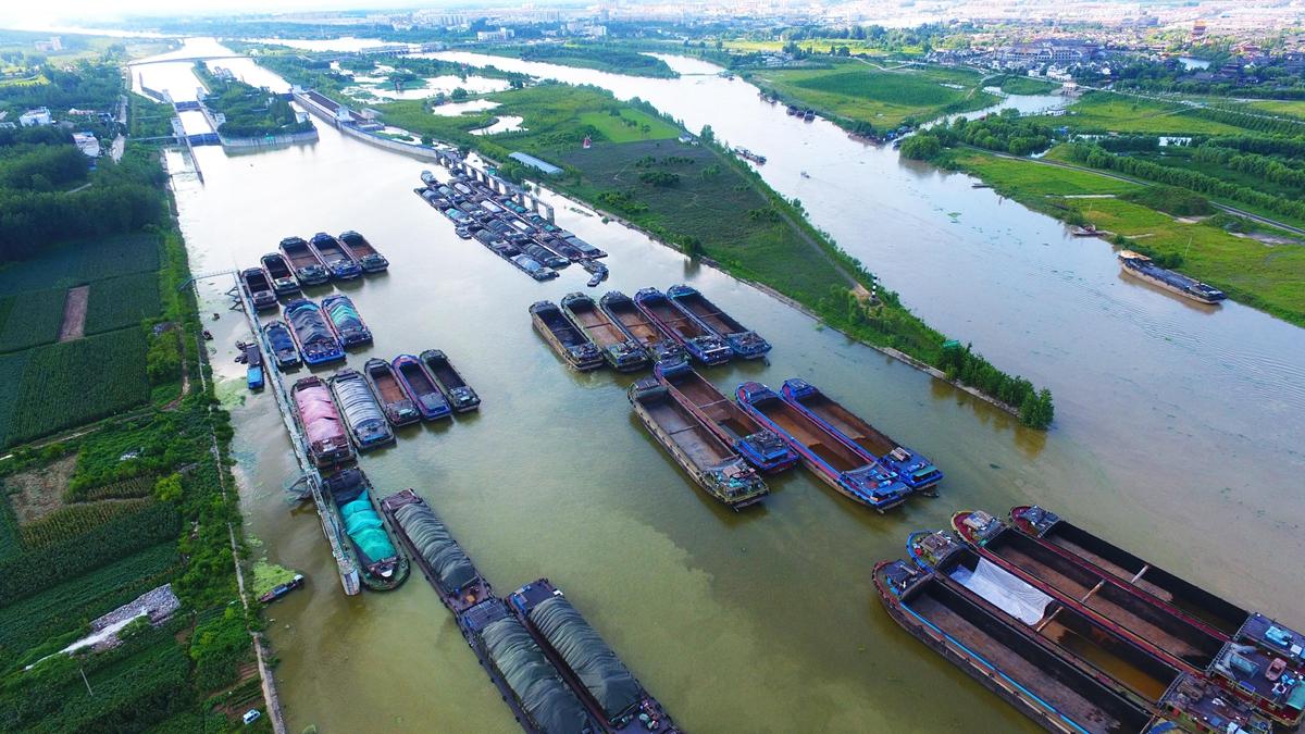 航拍|京杭运河山东台儿庄段水位上涨 全线禁航
