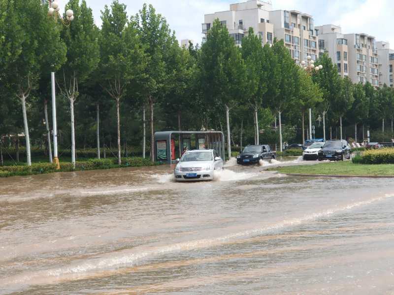 """""""温比亚""""过境东营 强降水致市区多处积水严重"""