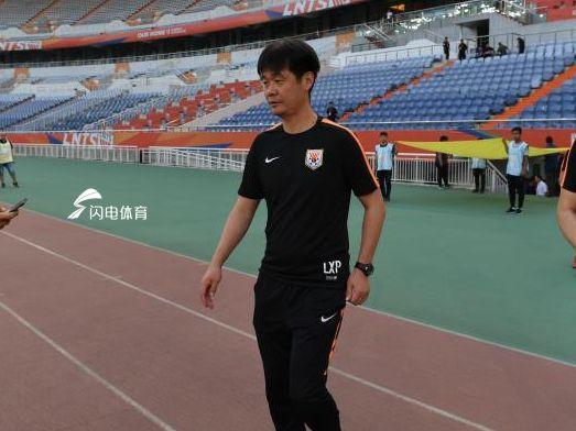 李霄鹏:塔神被台风拦在济南  客场赢球对晋级有利