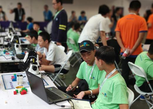 临沂义堂中学夺得世界机器人大赛机器臂项目冠军