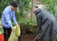 潍坊82岁老人奋战抢险救灾一线 激起全村老少斗志