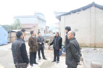 省住建厅派出专家组对潍坊灾区恢复重建进行现场技术指导