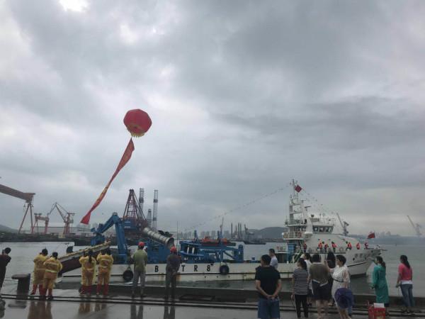 海上牧歌 | 国内新型金枪鱼围网远洋船起航前往毛里求斯