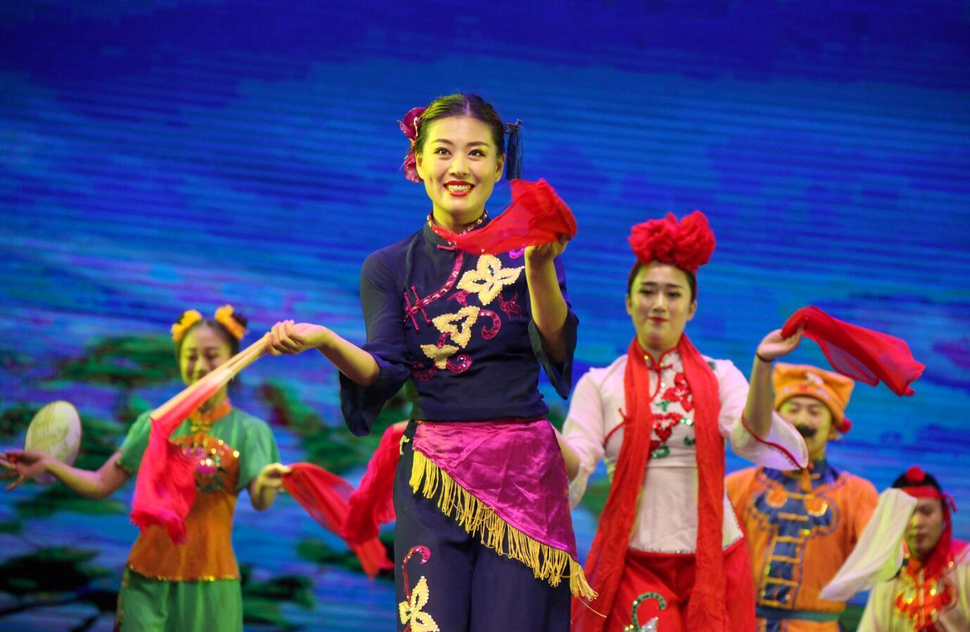 大型山东民间舞蹈诗《俺的山东大秧歌》在省会大剧院首演