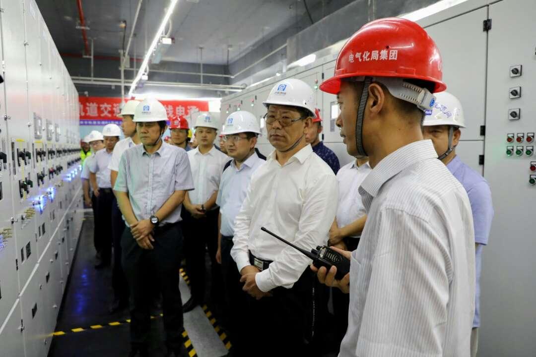 济南首条地铁R1线全线电通