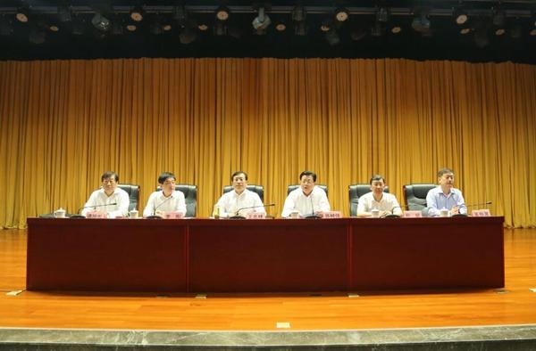 重磅!谭旭光出任中国重汽集团党委书记、董事长