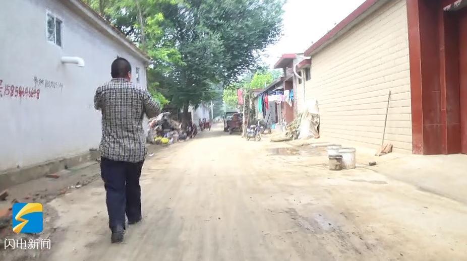 68秒丨青州村民丢下家人救乡亲遭妻子埋怨 村书记大喇叭给他正名
